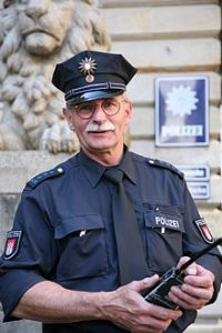 220px-HH_Polizeihauptmeister_MZ